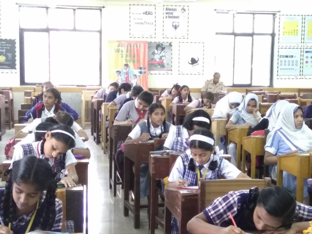 essay topic road safety safe kids foundation on day of essay  safe kids foundation on day 2 of essay competition on safe kids foundation on day 2