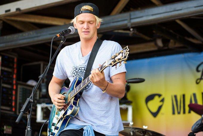 Happy Birthday to Cody Simpson, who turns 20 today!