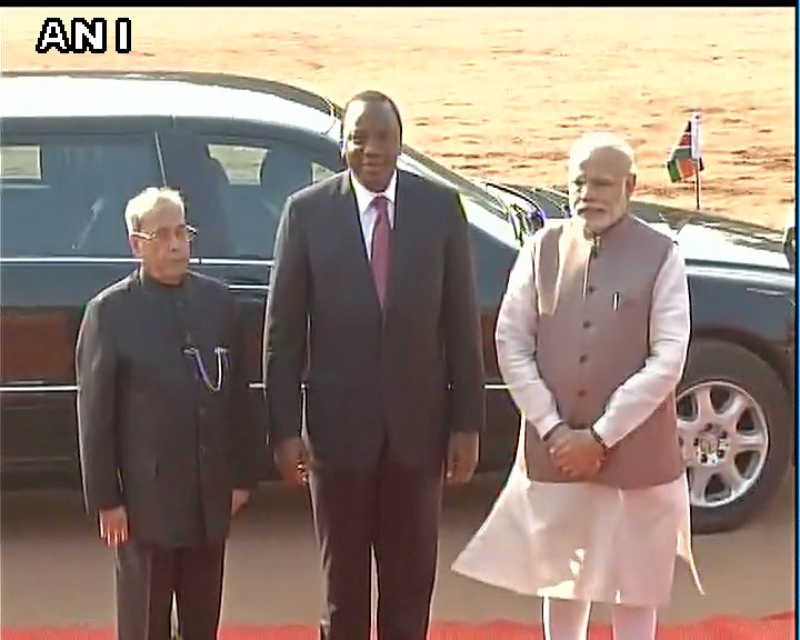 Delhi: President of Kenya Uhuru Kenyatta received ceremonial reception at the President House