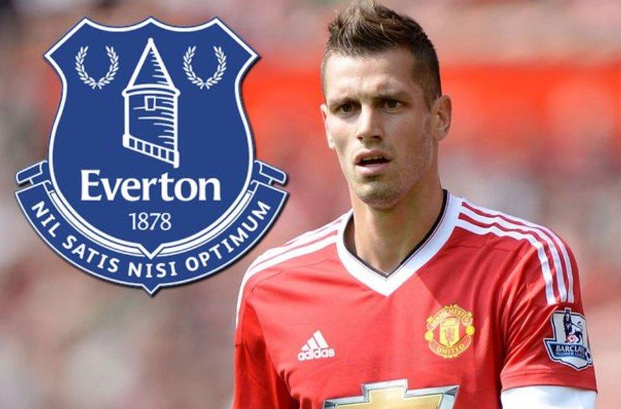 Morgan Schneiderlin is currently undergoing a medical at Everton. [Var...