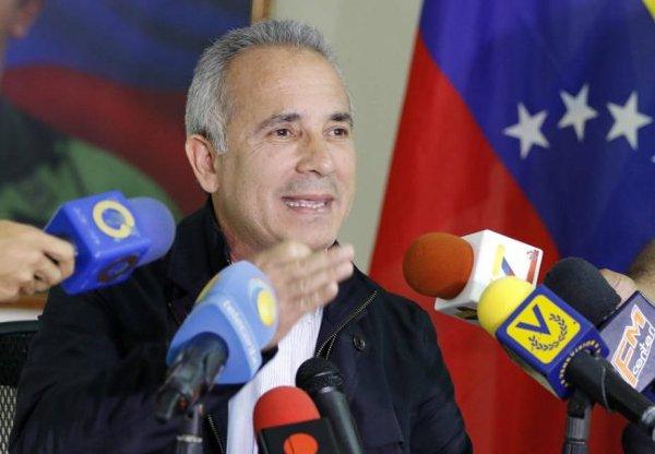 Freddy Bernal: Con los CLAP evitamos que el país estallara --)) https:...