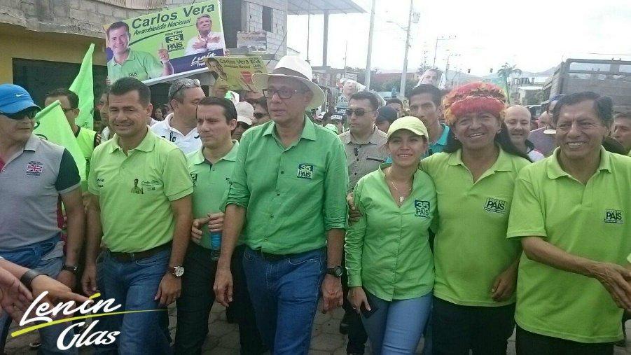 .@Lenin y @JorgeGlas con los mejores hombres y mujeres de la Patria en la Asamblea. ¡Vota Todo #Todito35! #ElFuturoEsAhora #ManabíConLa35 https://t.co/IJwl5xpU94