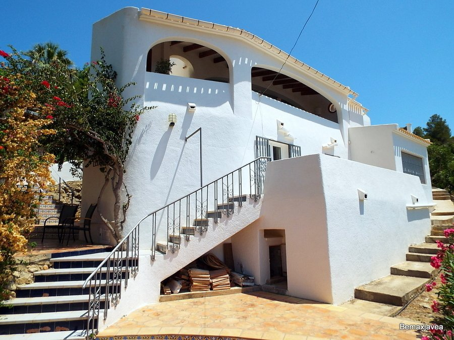 #javea reduced price villa  http://www. costablancapropertydeals.com/view-blog-post /153-property-news-huge-price-reduction-for-javea-villa-in-castellans.html &nbsp; … <br>http://pic.twitter.com/DrIW254pLU