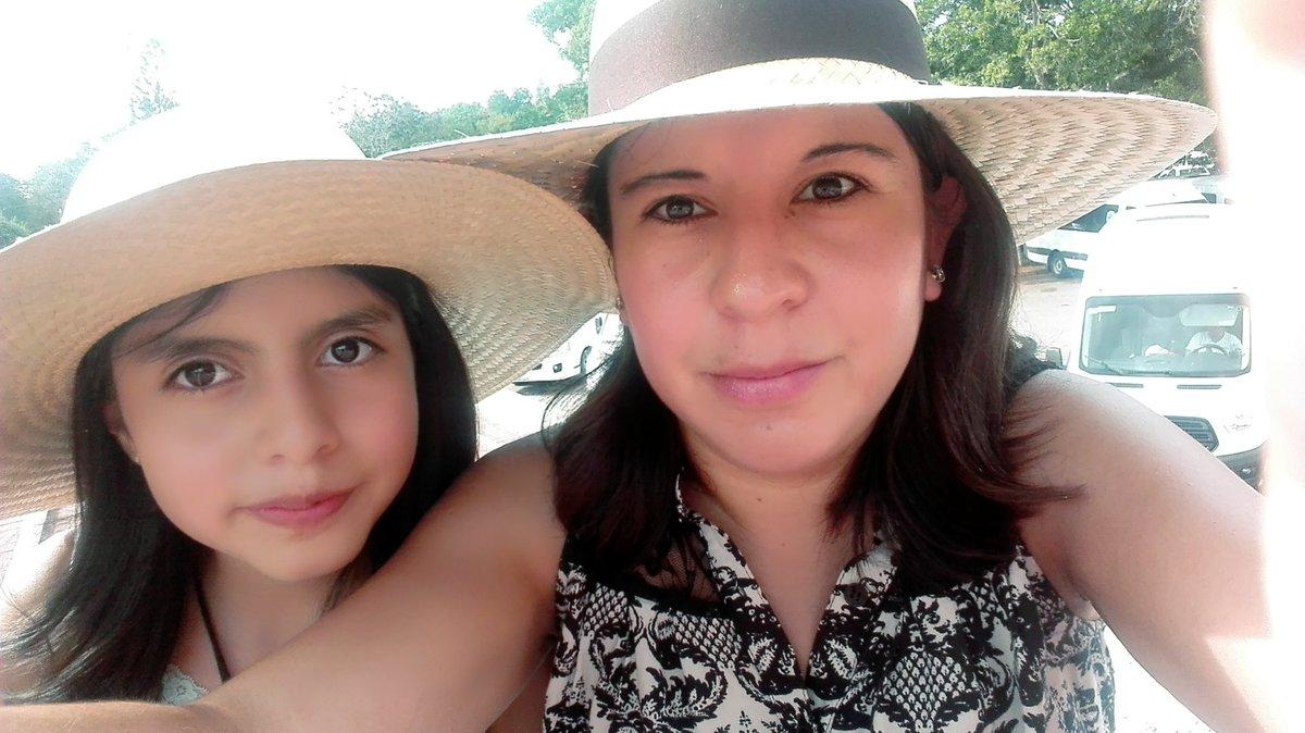 #TengoLaFortunaDe tener a una hija hermosa y maravillosa que es mi raz...