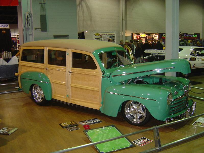 A #WheelsWednesday throwing it back to 2012 #WorldofWheels #Carshow - pretty sharp ones on a #Woody <br>http://pic.twitter.com/xAM29toEWF