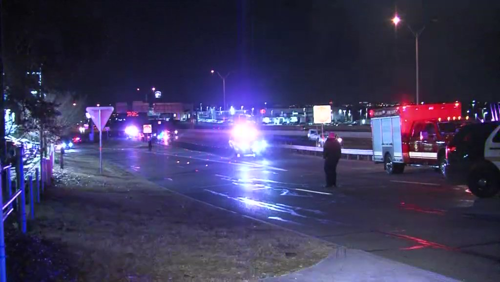 Driver hospitalized in San Antonio after I-35 road rage shooting near Live Oak