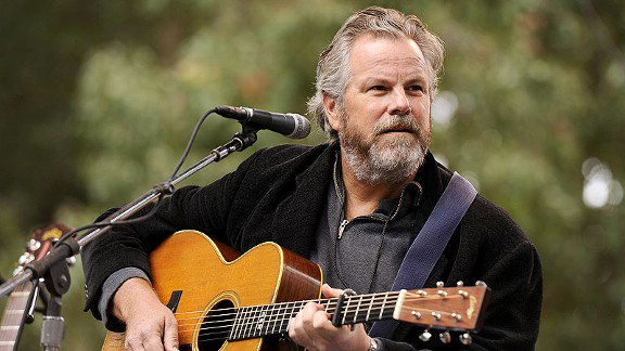 Wishing a very happy birthday to Robert Earl Keen who turns 61 today.