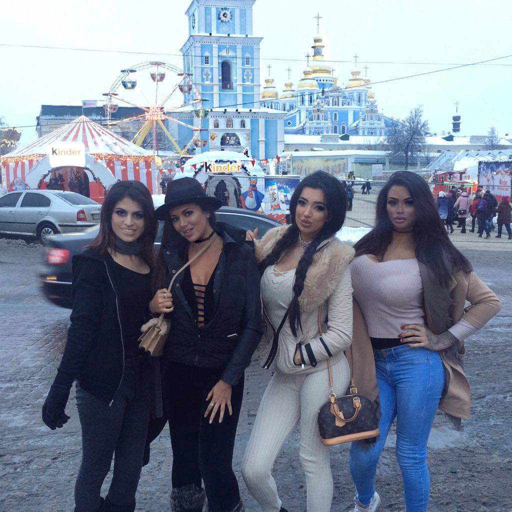 Chloe Khan  - Loving with twitter @chloekhanxxx ukraine