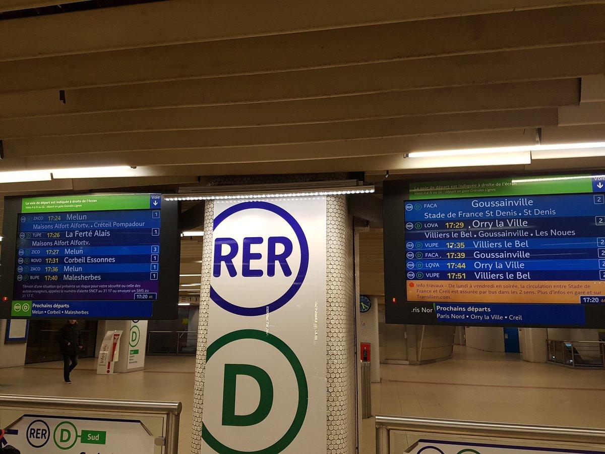 #rerd #GareDeLyon tout va bien.... pour le moment @Asso_SaDur @RvShark @PeneSaDur @stephfantome @FRNGodefroy et meme un train PROPRE<br>http://pic.twitter.com/CL6hzdwfJ6