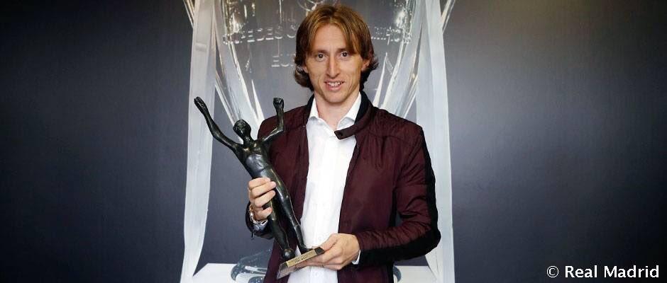 Luka Modric, Hırvatistan'da yılın futbolcusu seçildi. (2. Rakitic / 3....