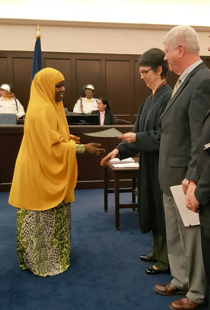 #NewUSCitizens accepting their certificate of #citizenship at #Vermont USDC ceremony #BTV<br>http://pic.twitter.com/dqMvAyqrsl