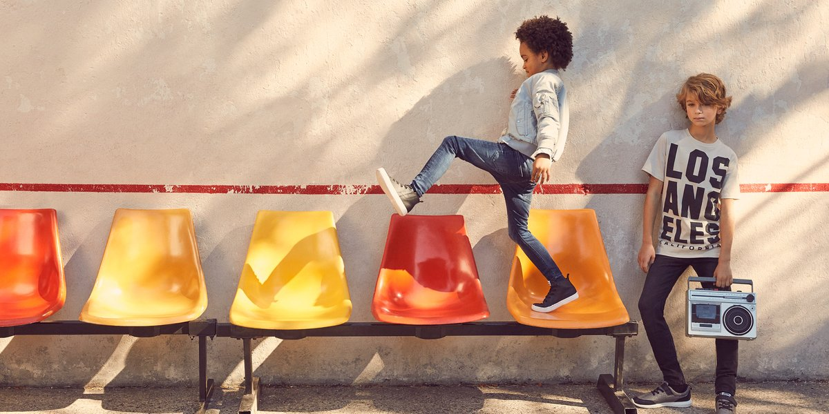 Find maximum movement in our #HMKids super stretch jeans:  http:// hm.info/16z6w  &nbsp;  <br>http://pic.twitter.com/bJQu13yCoS