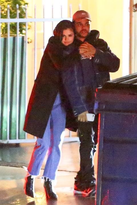 POR QUANTO TEMPO EU DORMI???? Selena e The Weeknd VEI 😱😱😱❤️ https://t....