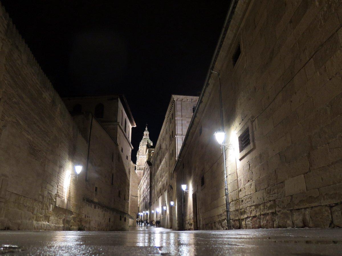 El casco antiguo de #Salamanca, entre los 5 más bonitos de España. VOTEMOS para que sea lel 1º  http:// bit.ly/2jjJFVI  &nbsp;  <br>http://pic.twitter.com/oOSDpl480f