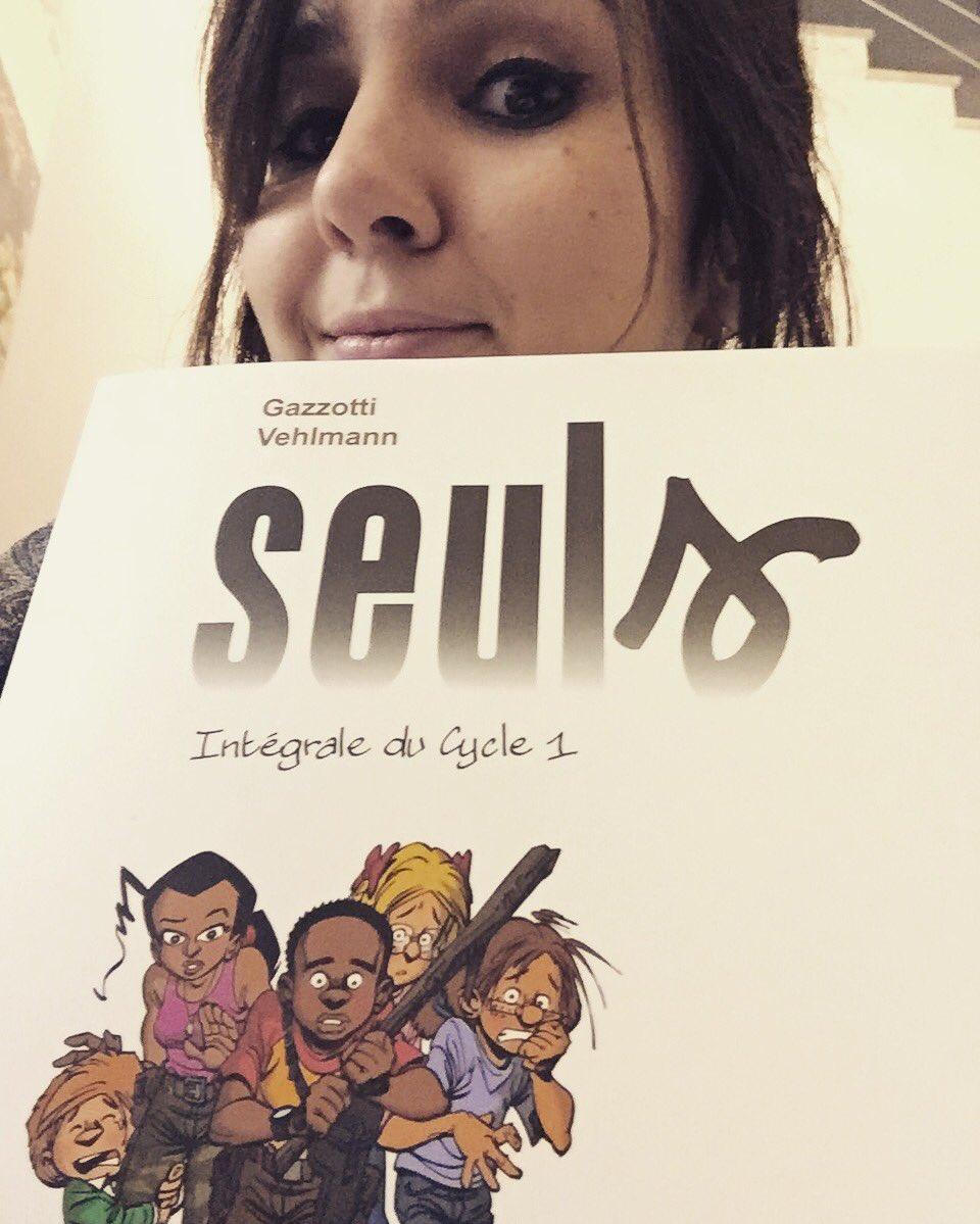 C&#39;EST ENFIN LA PROJO DE #SEULS DE #DAVIDMOREAU et on est HYPER CONTENT!!!<br>http://pic.twitter.com/7TSn7JBgXe