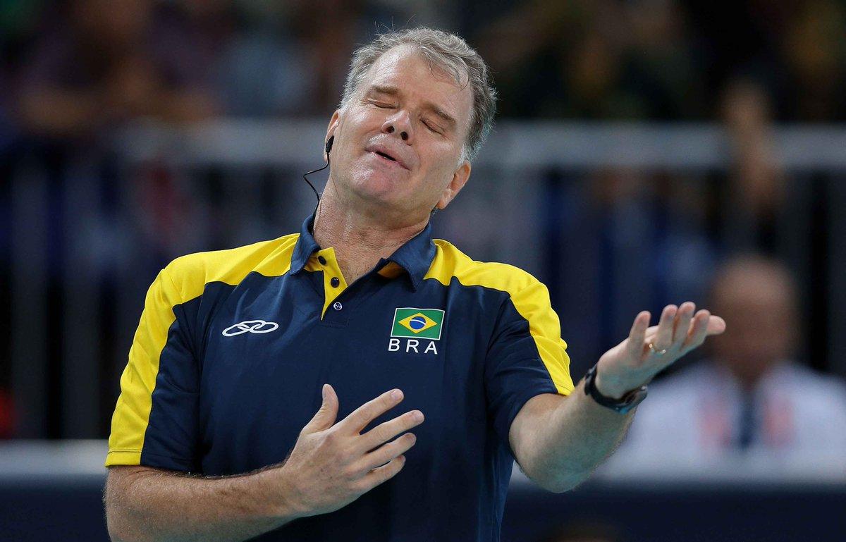 Após 16 anos, Bernardinho deixa a seleção masculina de vôlei https://t...