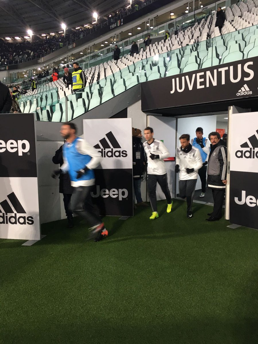 Ladieeeees and Gentlemen... Juventus Football Club! 💪 #JuveAtalanta #T...