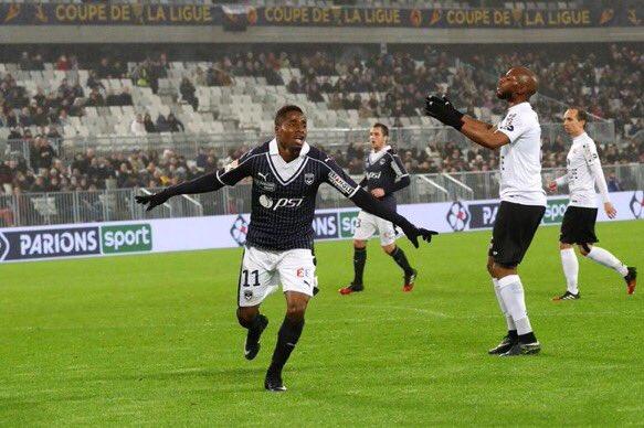 [#CDL] BORDEAUX 3-2 GUINGAMP  Bordeaux rejoint Nancy et Monaco en 1/2 finale de la Coupe de la Ligue.  #FCGBEAG <br>http://pic.twitter.com/UvRHIWvDRx