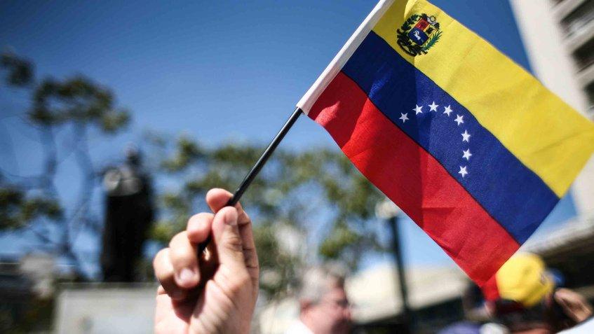"""#Analista 'Cambio de Gobierno lo antes posible"""" por Mitzy Capriles de..."""
