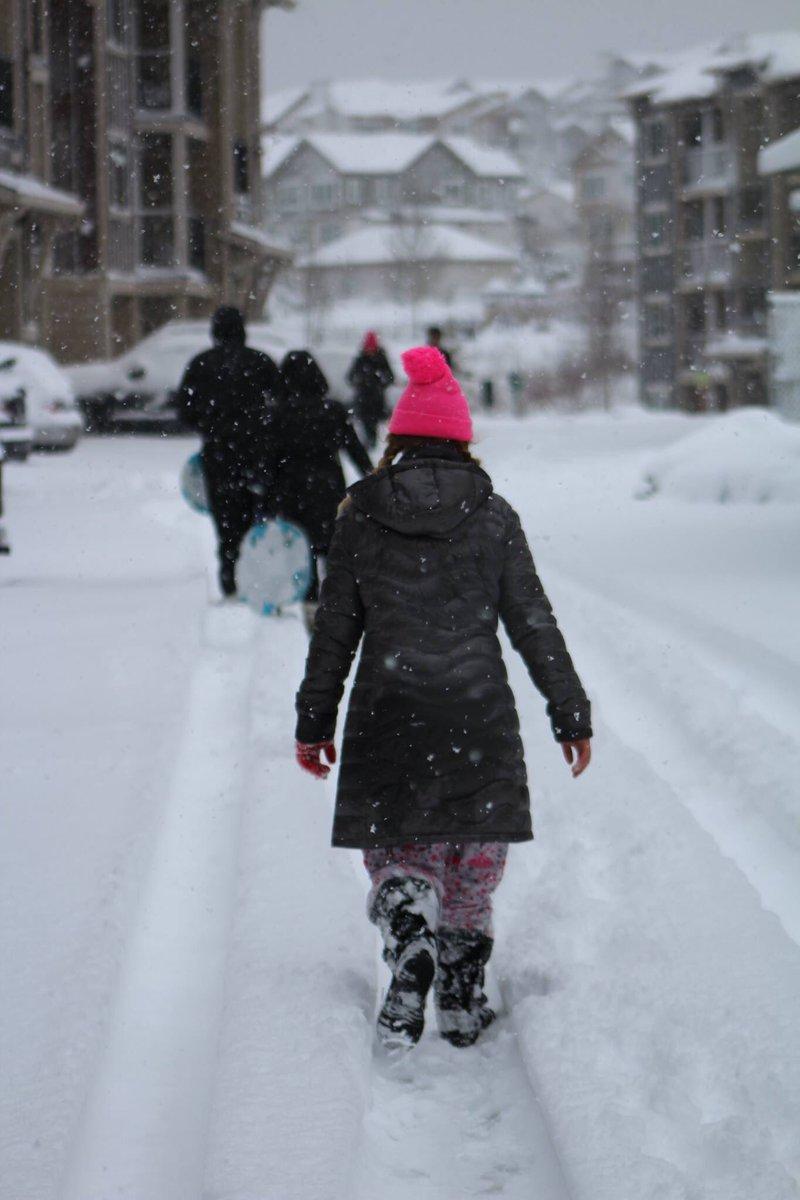 Explorers  #portlandweather #PortlandSnow #snowday #pdxsnow #singlemomglobetrotter #portland #snow @SarahCentrella<br>http://pic.twitter.com/u5uV3u6vys