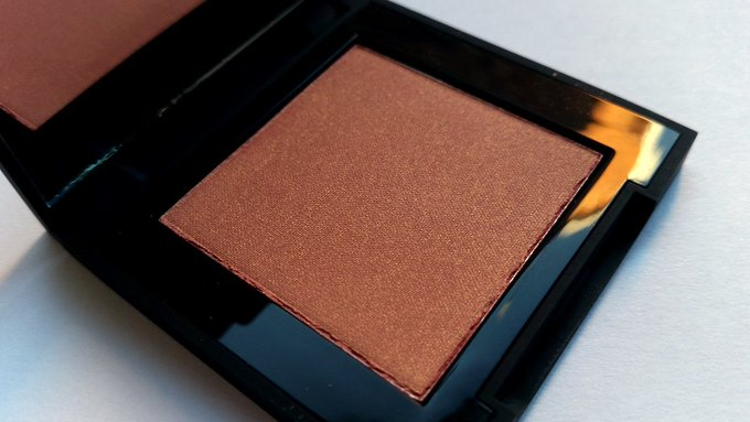 High Definition Powder Blush review