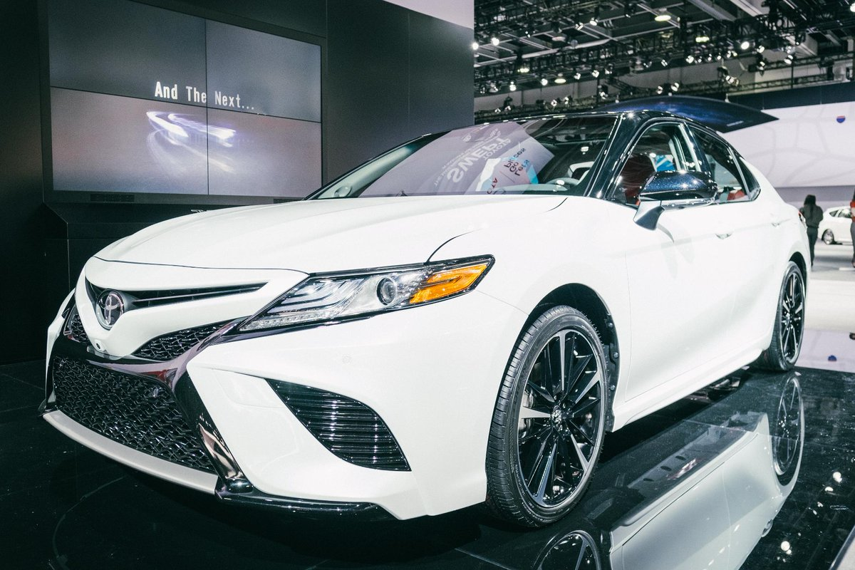 Meet the midsize sedan that's changing what we think about midsize sedans. The all-new 2018 #Camry! https://t.co/18P6kDluuI