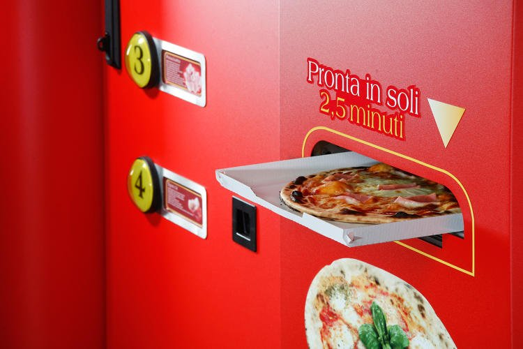 #ShouldBeAllowedAtWork  Pizza Vending Machines! All the kids are doing...