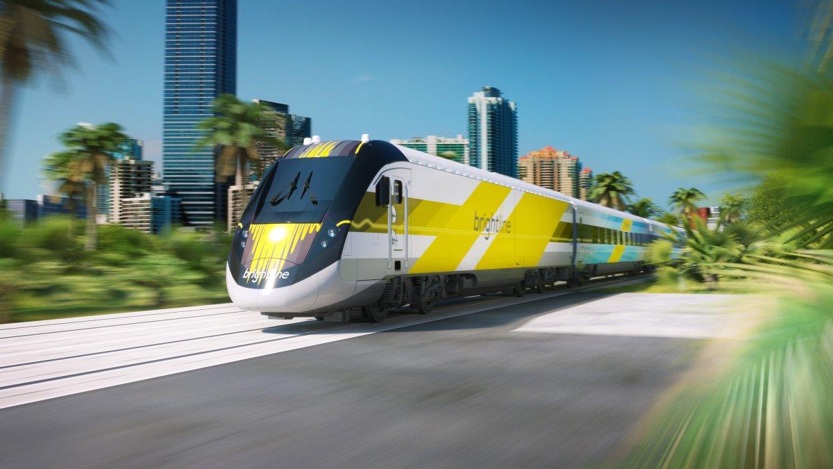 First look: New Florida passenger train unveiled https://t.co/LduNIwjpsH https://t.co/dtFndGoLRR