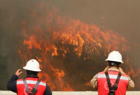 Thumbnail for Sigue el minuto a minuto del voraz incendio en Valpo