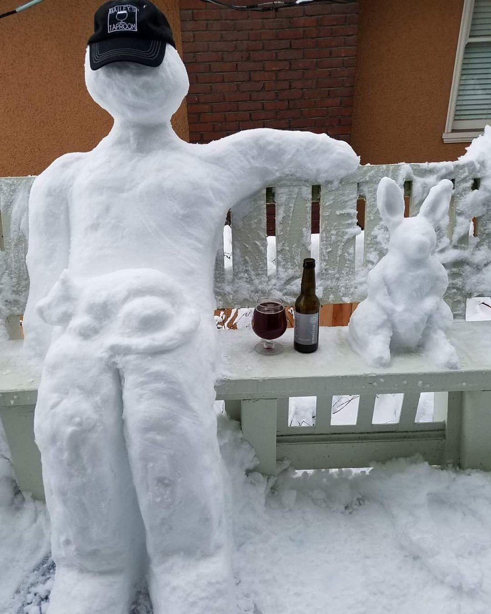 Currently posed on our front porch... Minus the beer now. #pdxsnow #PDXSnowpocalypse #pdxnow #inpdx #pdx #portland #snowman<br>http://pic.twitter.com/6Hd6KwjXQf