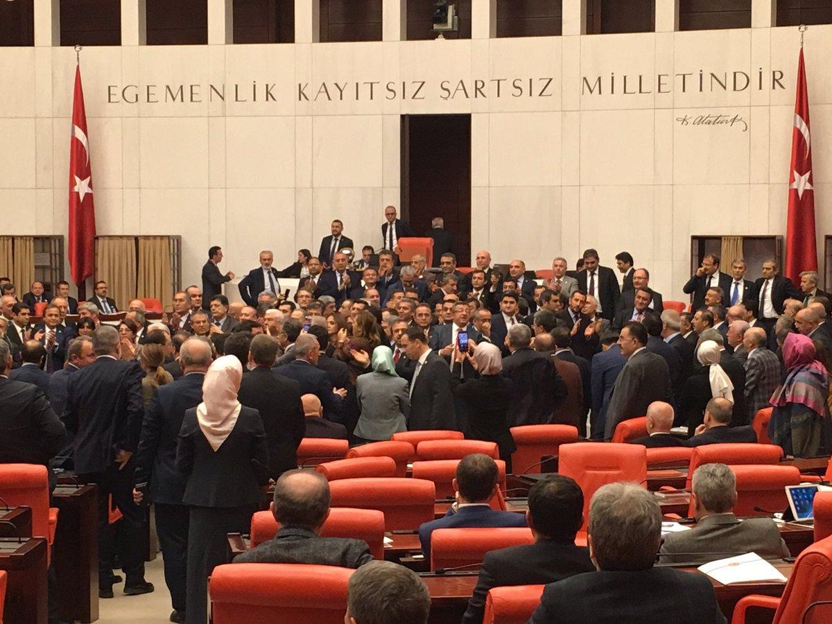 Dün, bugün, yarın... Değişmeyen tek şey: #ÇirkefCHP #TürkiyeninSonBaşb...