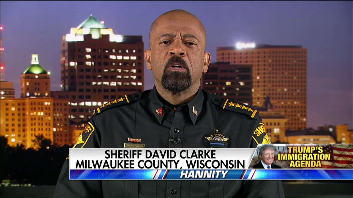 ".@SheriffClarke on border wall: ""I like @realDonaldTrump's sense of urgency about this."""
