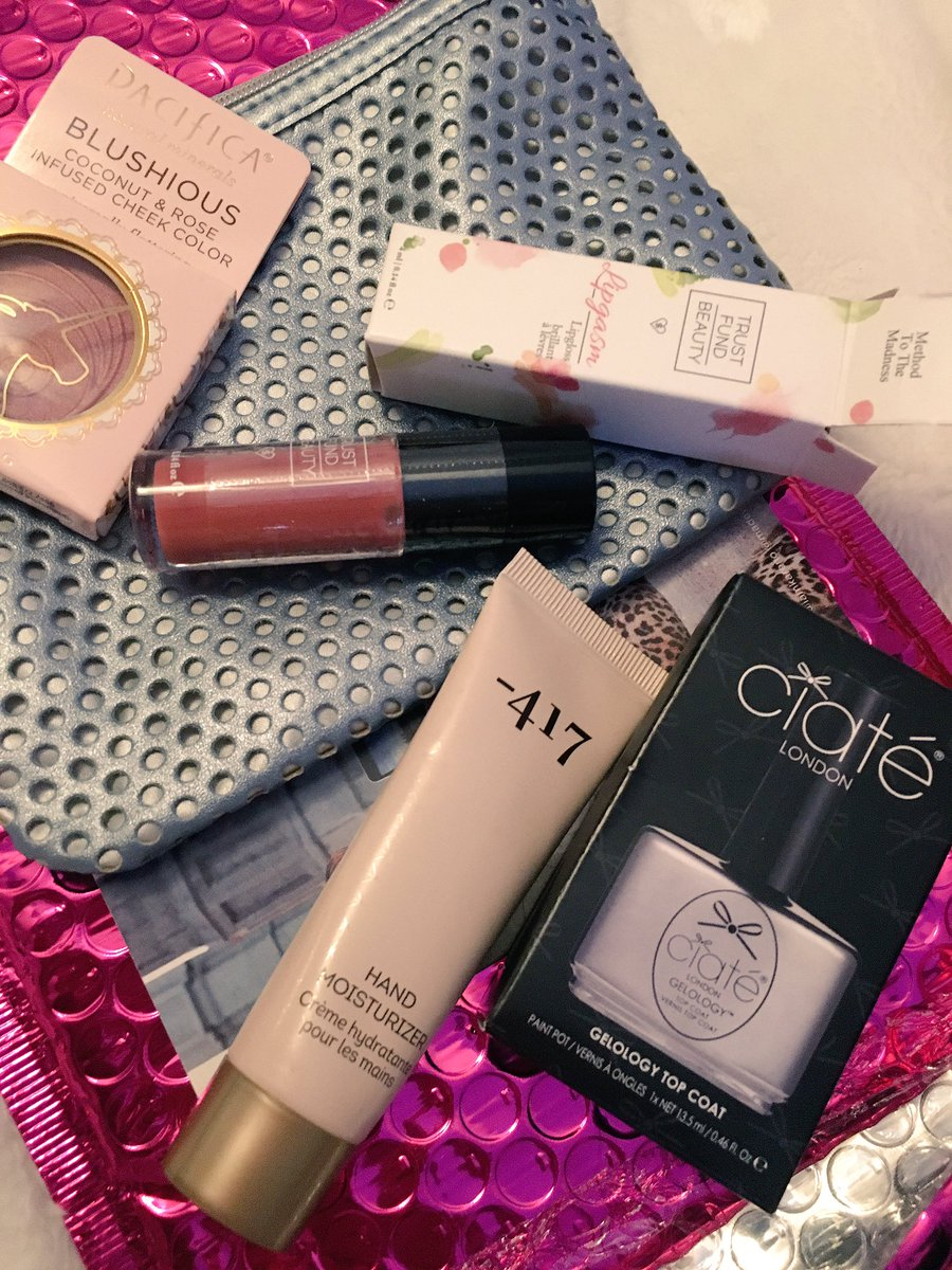 The best @ipsy bag of gotten yet. Can&#39;t wait to try everything out!  #glam #makeup #blush #lipgloss #moisturizer #topcoat #ciate <br>http://pic.twitter.com/U302QdewbZ