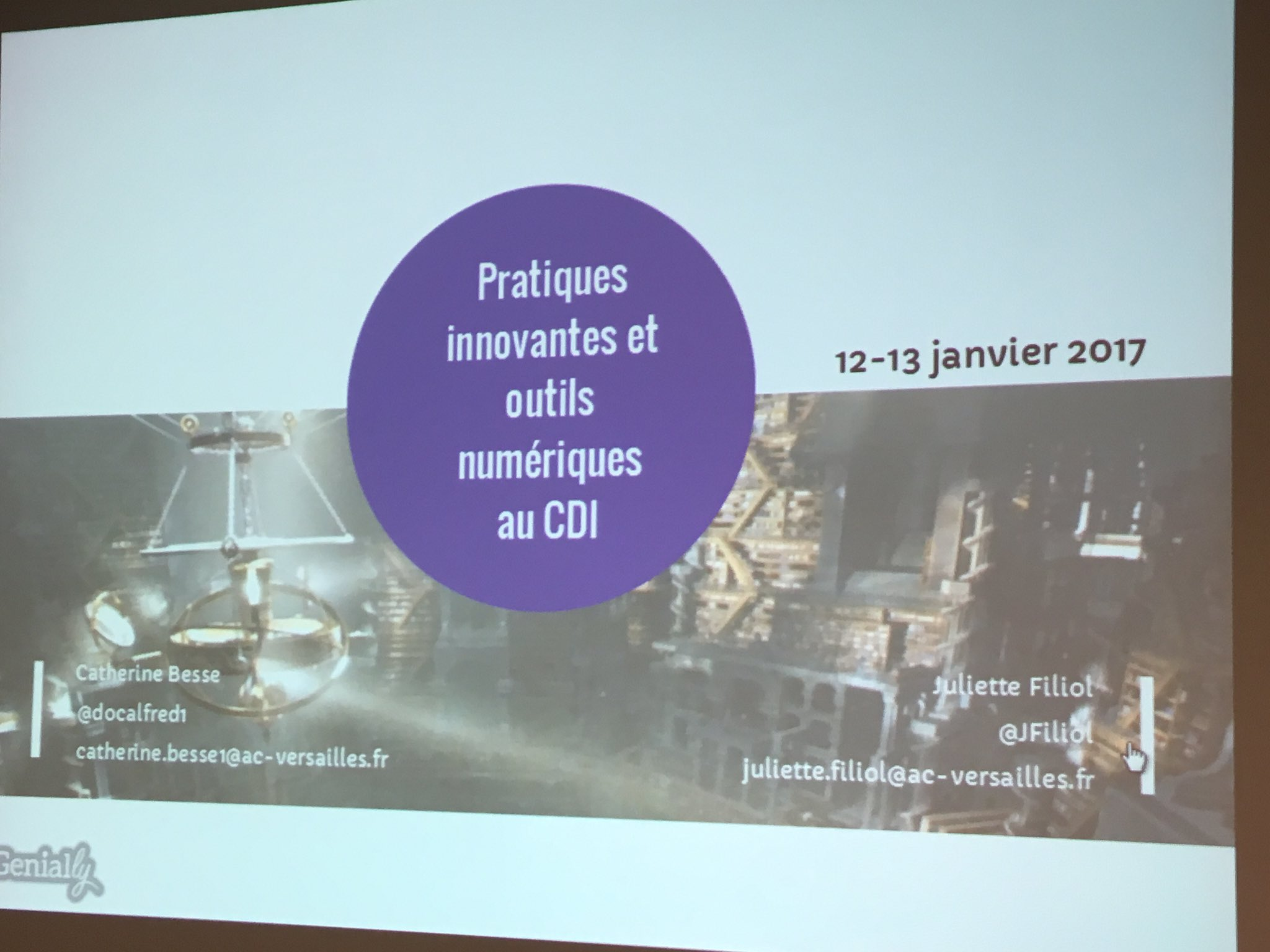"""Aujourd'hui stage #profdoc @DocVersailles """"Pratiques innovantes et outils numériques au CDI"""" avec @docalfred1 https://t.co/VnYKsju7Q0"""