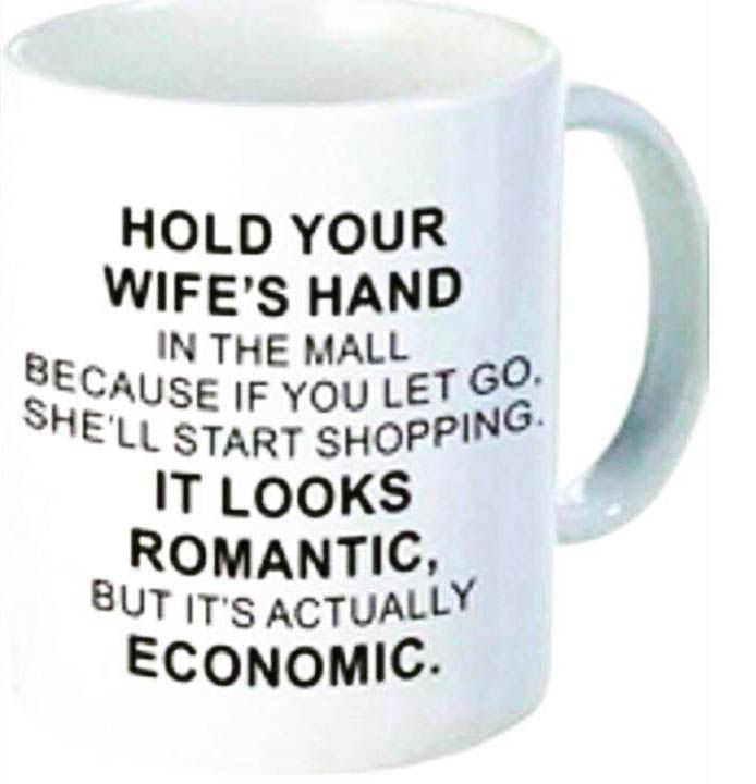 ワロたw。「ショッピングモールの中では、妻と手を繋いで歩こう。手を離すと、妻が買い物に始めてしまう。ロマンチックに見えるかもしれないが、実は経済問題なのだ。」 https://t.co/yqArSIiujV