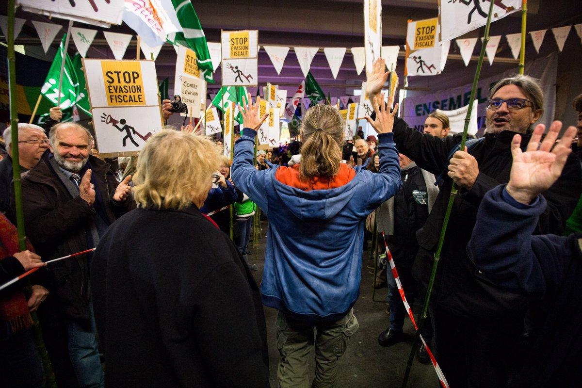 Procès #pourunechaise #9janvier à Dax le retour en images &gt;&gt;&gt;  http:// bit.ly/2iJSlnz  &nbsp;   #FaucheursDeChaises<br>http://pic.twitter.com/tSlLDx2wvc