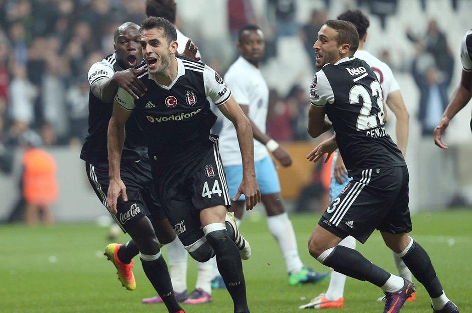 Beşiktaş'ta bir ayrılık daha yolda! https://t.co/6Ok0ZwdGpz https://t....