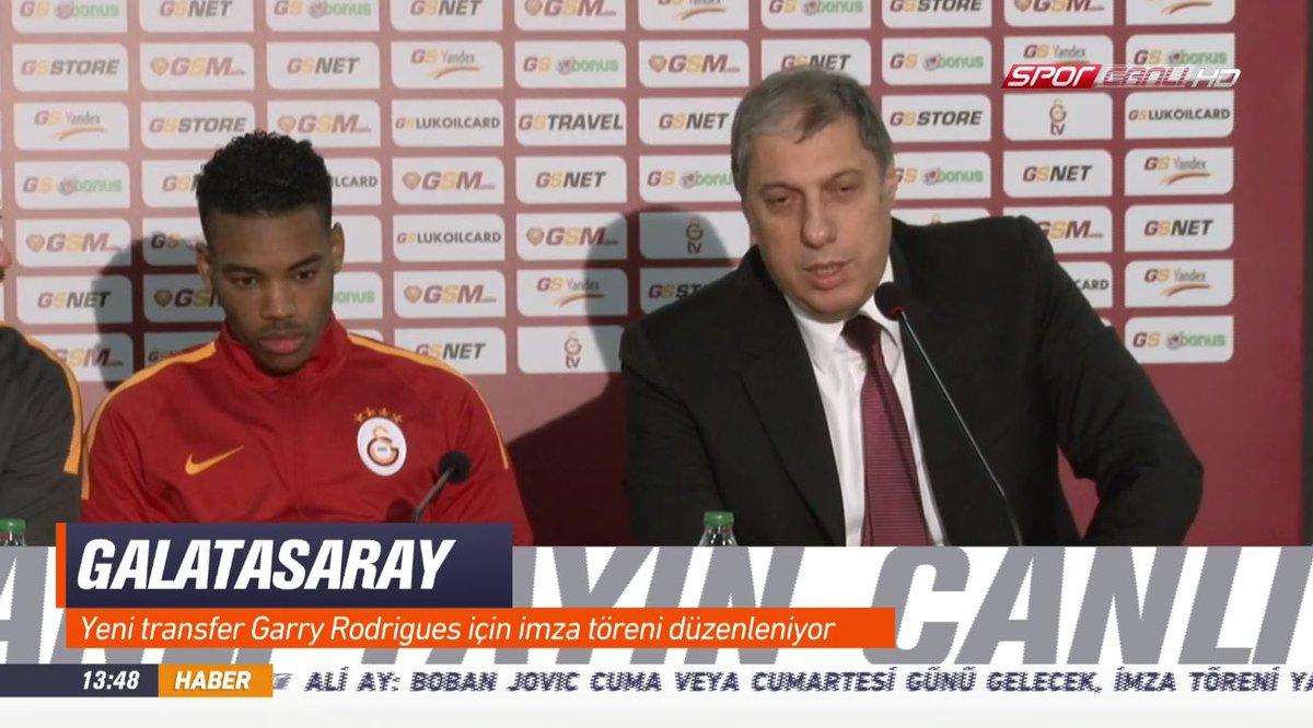Galatasaray'ın yeni transferi Garry Rodrigues için imza töreni düzenle...