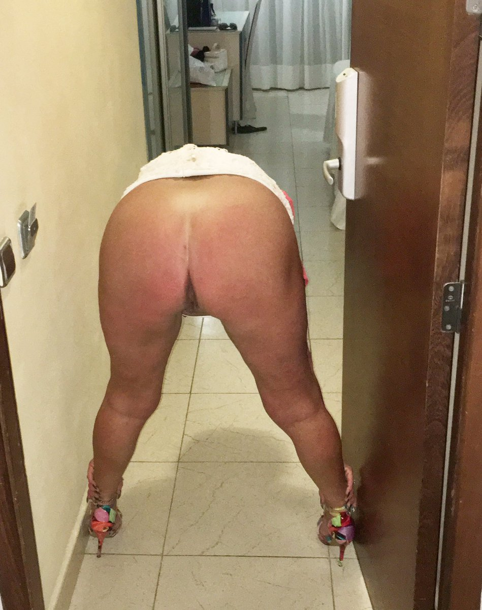 Hardcore Jokes Milf Bending Over Vagina