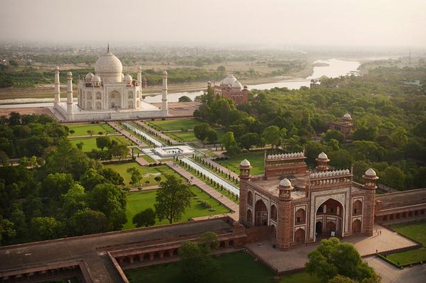 Aerial views: India by drone ➤ https://t.co/RFnkAshcDv Amos Chapple's remarkable aerial views of India #travel https://t.co/KU9NBqaiL3
