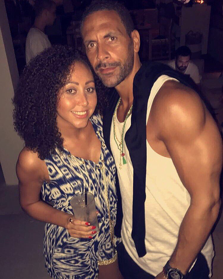 The sis out in #dubai with big bro!! #vestgame #BruceWillis https://t.co/EC9v3mTFRd