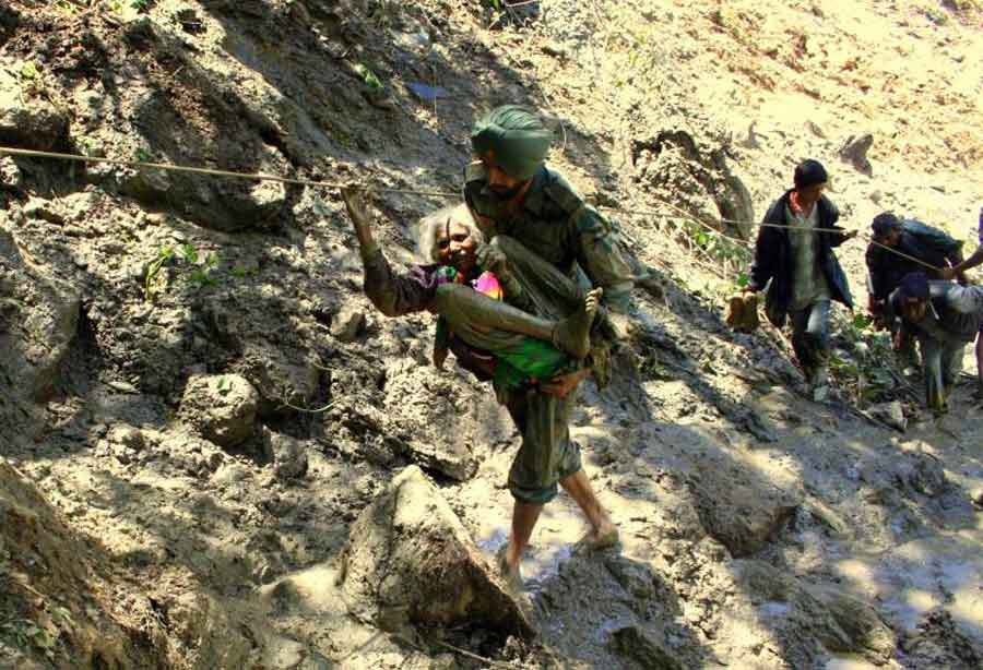 indian army rescues 45 day - 900×614