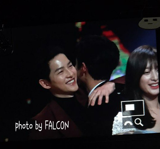 멋진 형제, 새해 복많이 받아요!! #송중기 #박보검(@BOGUMMY)