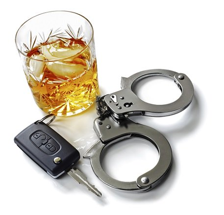 It's 10:00: Do YOU know who your designated driver is tonight? #PlanAhead #DriveSoberOrGetPulledOver #NYE2016 https://t.co/U3pFkK5GuD