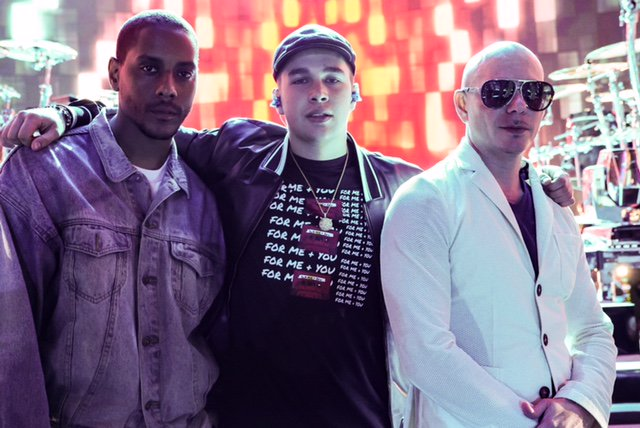 Here\'s a look behind the scenes of #PitbullNYE! Check out the full album here: