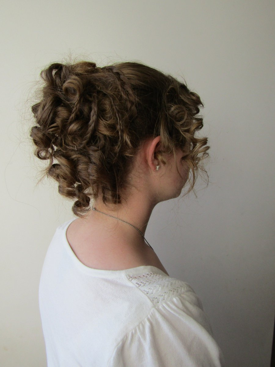 Surprising Hannah Long On Twitter Sister Showed Her Bf Pride Prejudice Natural Hairstyles Runnerswayorg