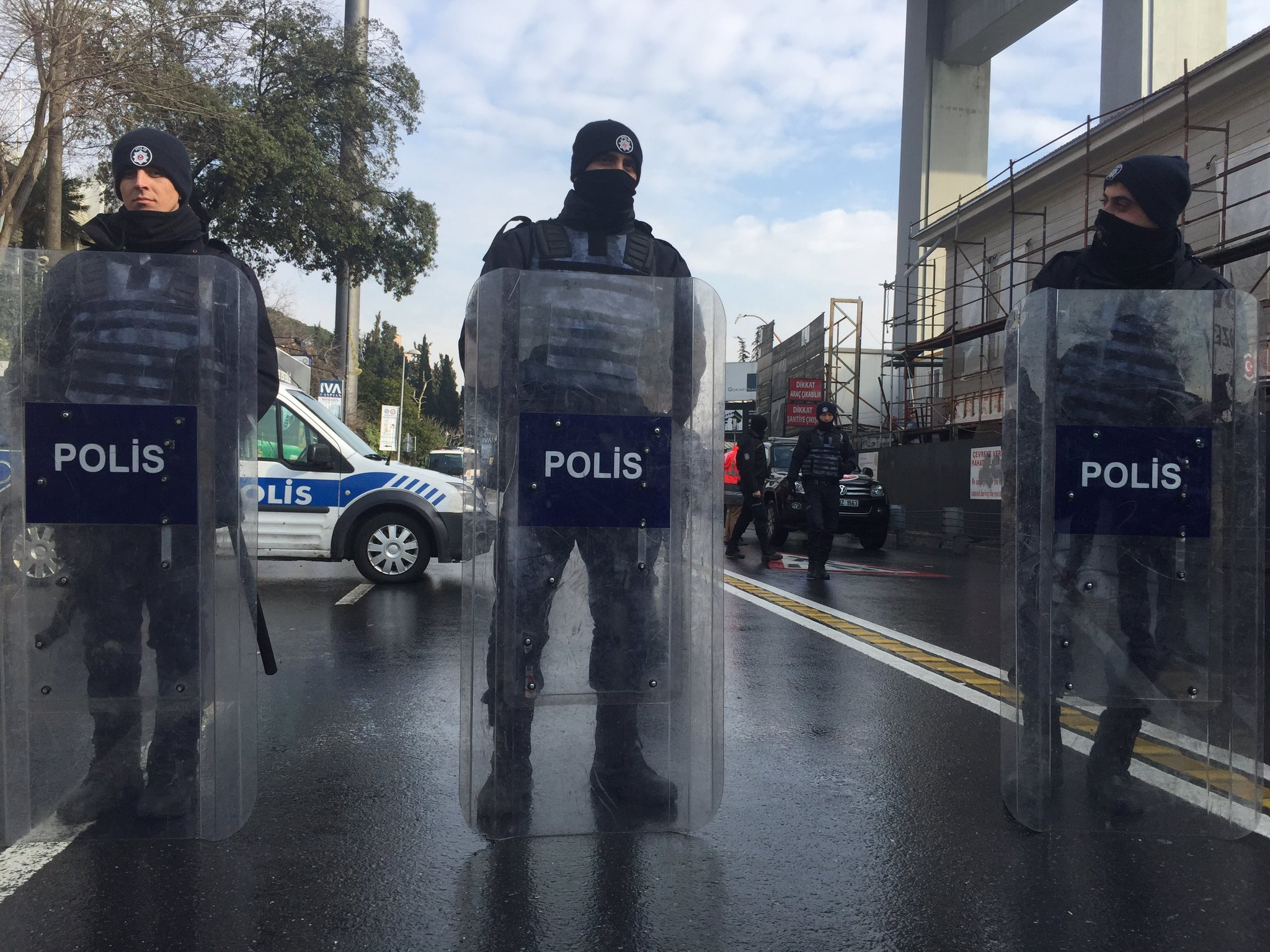 Thumbnail for Istanbul Attack; 'Shoot-to-Kill' in Israel; DRC peace deal: HRW Daily Brief