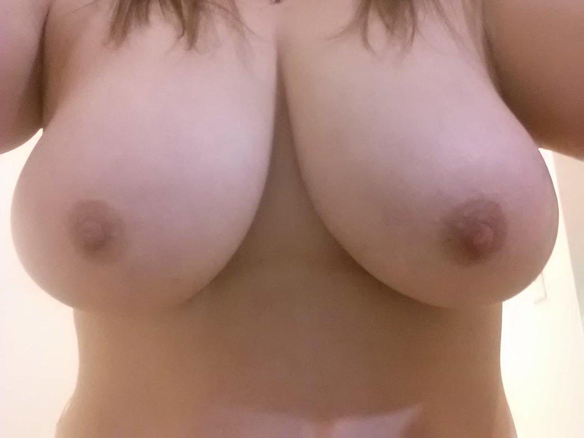 Nude Selfie 10056