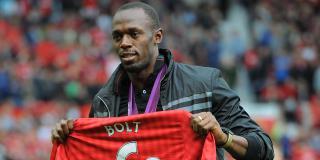 (Francetv Sport):Quand #Usain #Bolt appelle pour féliciter Manchester United : Usain Bolt..  http://www. titrespresse.com/article/765574 1612/usain-bolt-manchester-united-appelle-feliciter &nbsp; … <br>http://pic.twitter.com/HcFmLZl0Zw