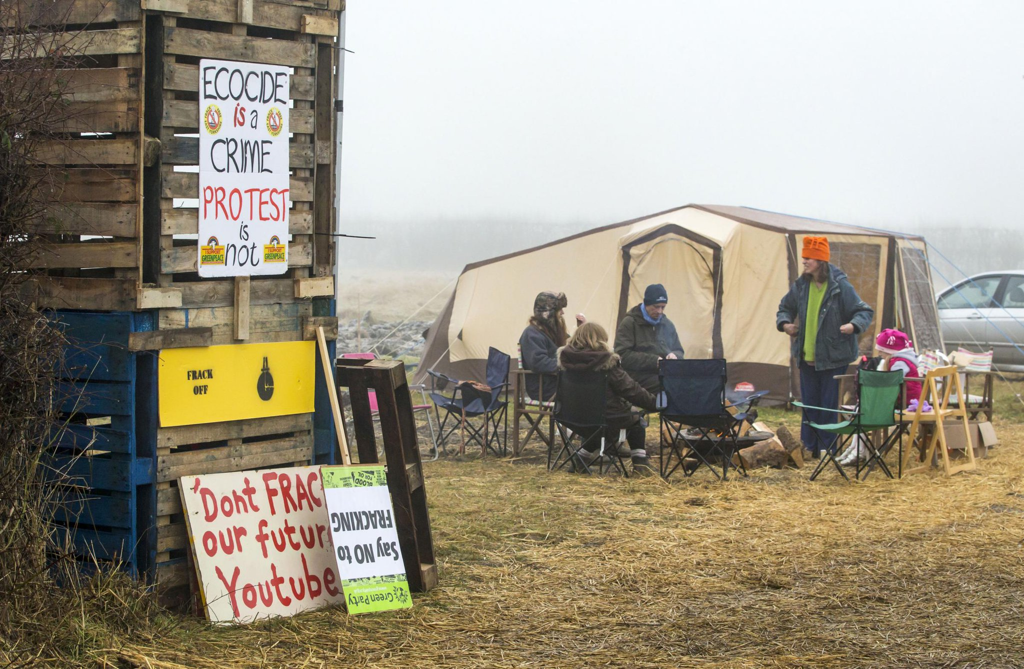Camp becomes national frack protest centre https://t.co/3VkQ0QaMaS https://t.co/yeAF1gGWYv